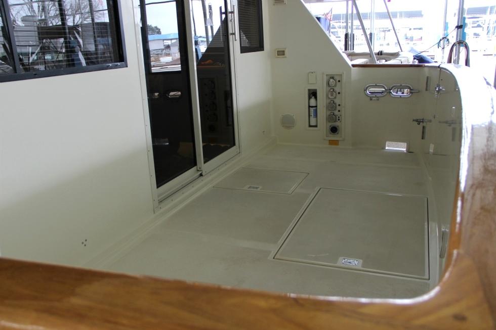53 Tollycraft Pilot House Motor Yacht Cockpit TollyCraft Yacht